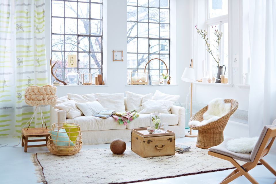 Designs For Small Room Space Allandabout Com. Nix The Giant Coffee Table  Living ...