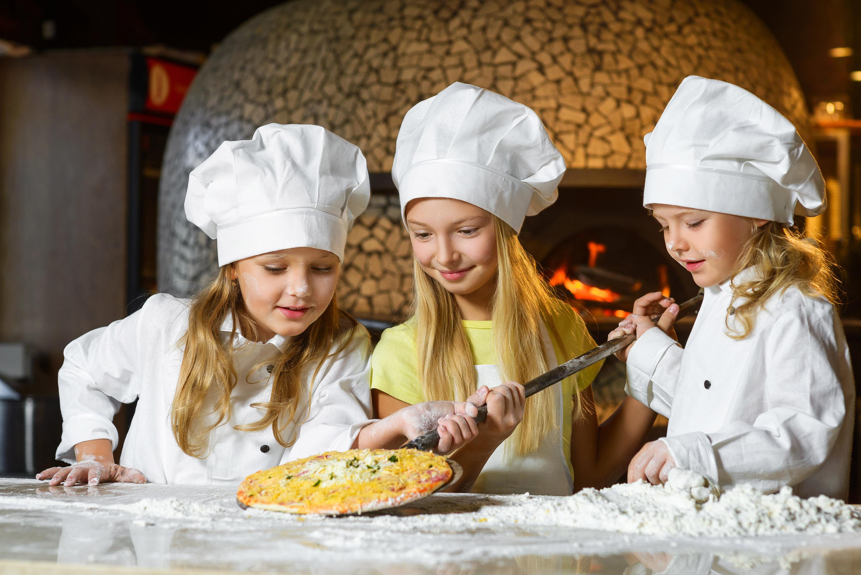 Banana Island Resort Doha by Anantara's Spice Spoons School now offering Italian culinary arts classes