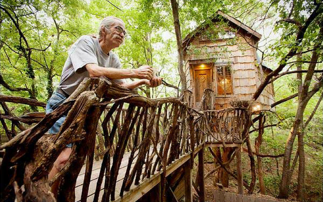 12 Awesome Homes Built With Recycled Material