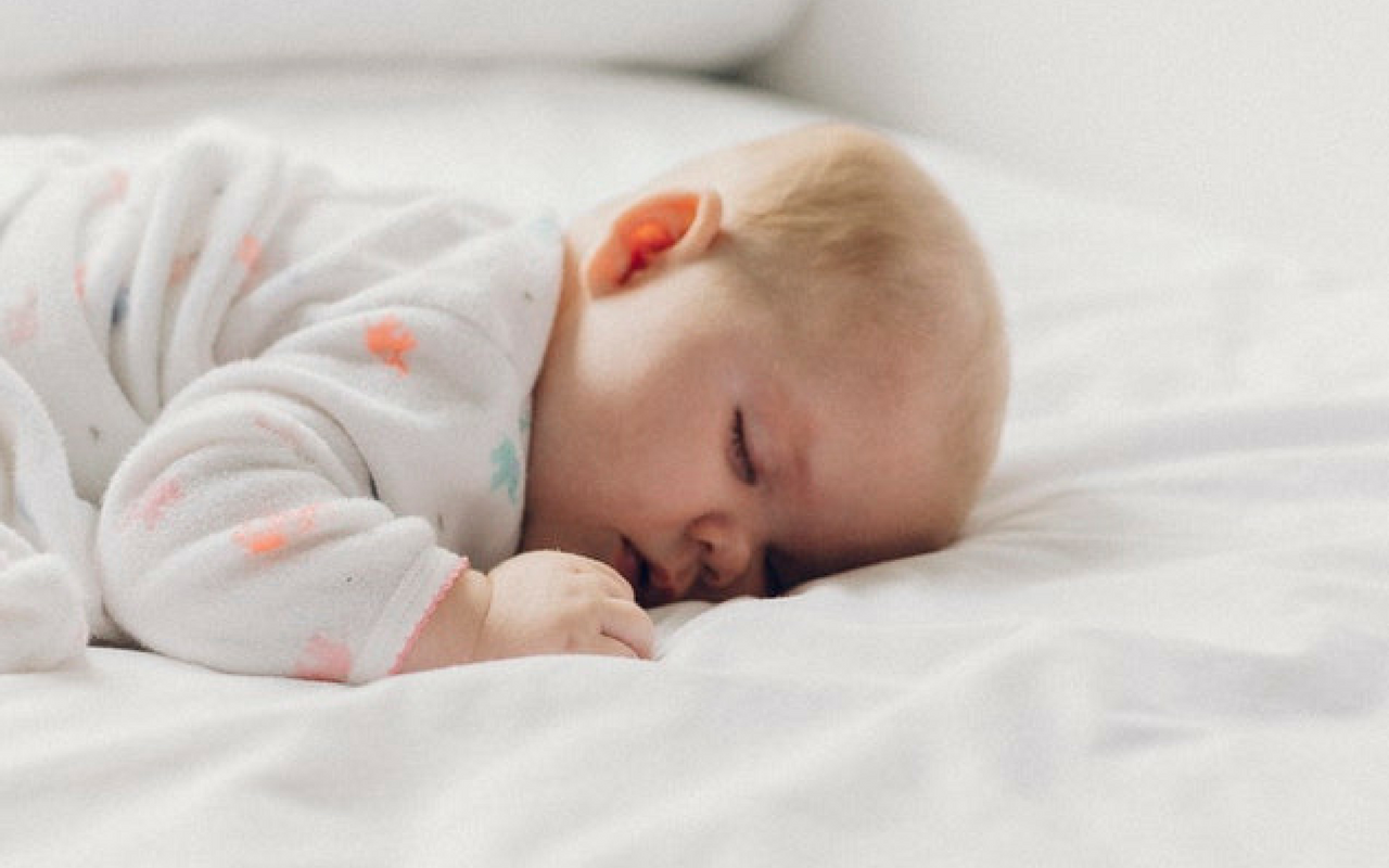 Putting Your Baby to Bed While They're Awake Helps Improve Their Sleep Cycle