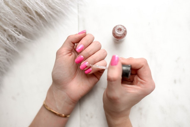 How Nail Products Stick to the Nails