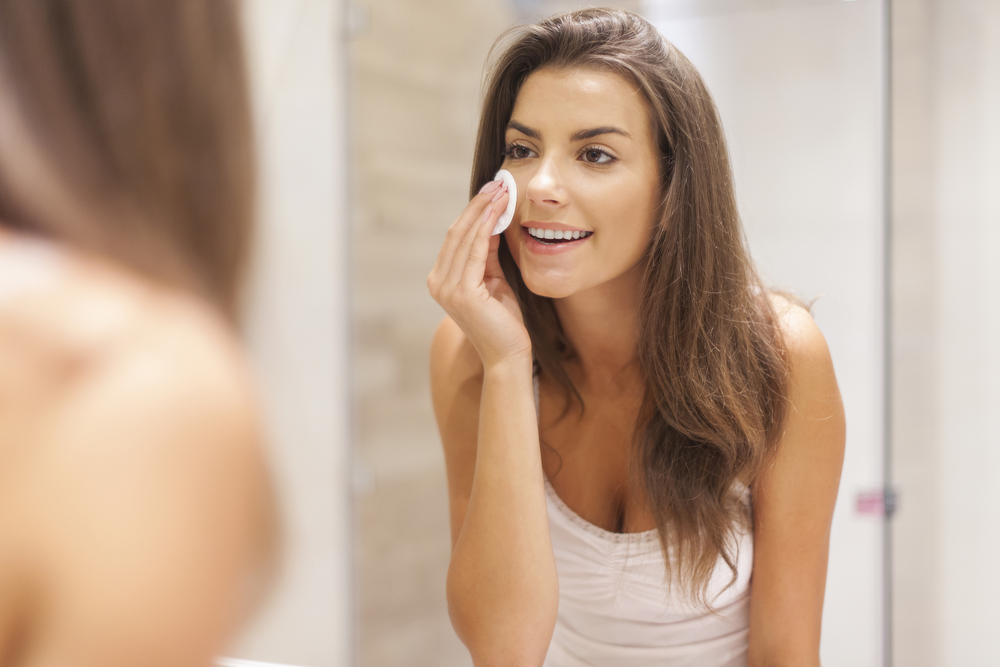 How to Remove Make-up With out Make-up Remover