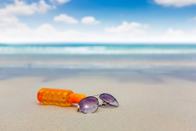What You Should Know About Sunscreen Chemicals Oxybenzone And Octinoxate